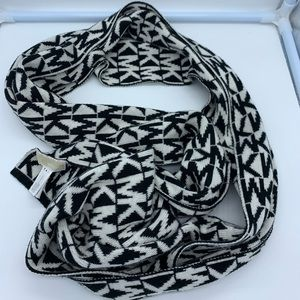 MICHAEL MICHAEL Kors black and white acrylic scarf